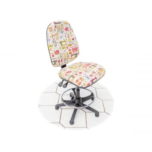 Horn Hobby Tall Chair
